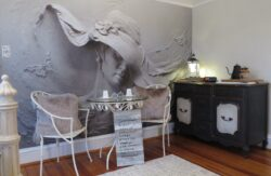 Mendenhall 1884 Inn Ginger's Garden Wall Art Seating Area