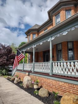 Mendenhall 1884 Inn Bed and Breakfast Victorian Home Clarence Hovermale House